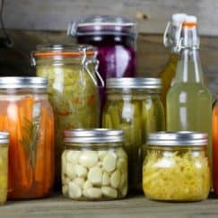 5 Reasons to Eat Fermented Foods Everyday http://simplynourishedrecipes.com/5-reasons-to-eat-fermented-foods-everyday/