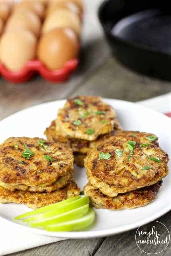 Turkey Apple Sausage Patties | paleo breakfast recipes | healthy breakfast recipes | turkey breakfast recipes | Whole30 breakfast recipes | gluten-free breakfast recipes | grain-free breakfast recipes | egg-free breakfast recipes | healthy sausage recipes | homemade sausage recipes || The Real Food Dietitians