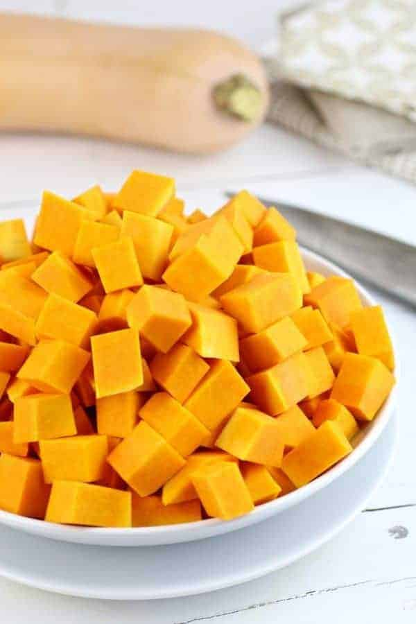 How-to Cube Butternut Squash | how to cut butternut squash | how to peel a butternut squash | butternut squash tips | kitchen hacks || The Real Food Dietitians #butternutsquash #kitchenhacks