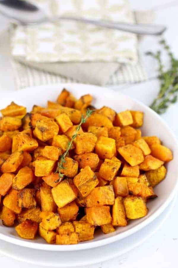 Butternut Squash Home Fries | How-to Cube Butternut Squash | how to cut butternut squash | how to peel a butternut squash | butternut squash tips | kitchen hacks || The Real Food Dietitians #butternutsquash #kitchenhacks