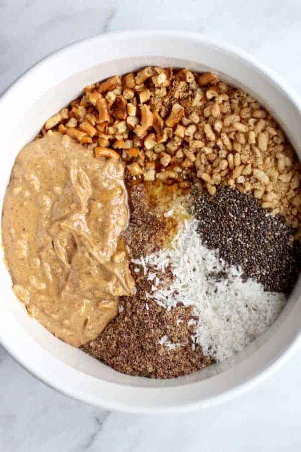 No-Bake Peanut Butter Chocolate Pretzel Bars | gluten-free desserts | egg-free desserts | dairy-free desserts | vegan desserts | healthy dessert recipes | no-bake desserts || The Real Food Dietitians #nobakerecipe #healthydesserts #glutenfreebars