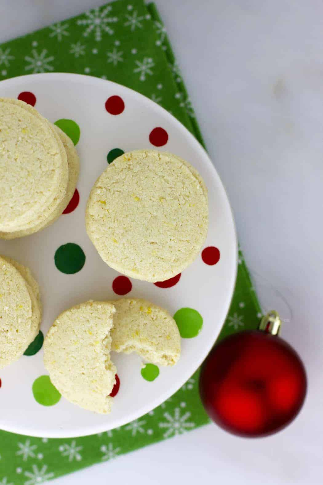 Overhead view of Gluten-Free Lemon-Shortbread Cookies on a Christmas plate
