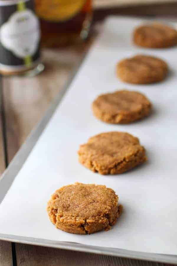 Grain-free Soft Ginger Molasses Cookies | Paleo | Vegan | Gluten-free | Dairy-Free | Egg-Free | healthy Christmas cookies | healthy holiday cookies | paleo holiday treats | vegan holiday treats | vegan cookie recipes | gluten-free holiday treats | gluten-free cookie recipes || The Real Food Dietitians #paleocookies #vegancookies #glutenfreecookies