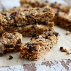 No-bake Pumpkin Chocolate Chip Granola Bars