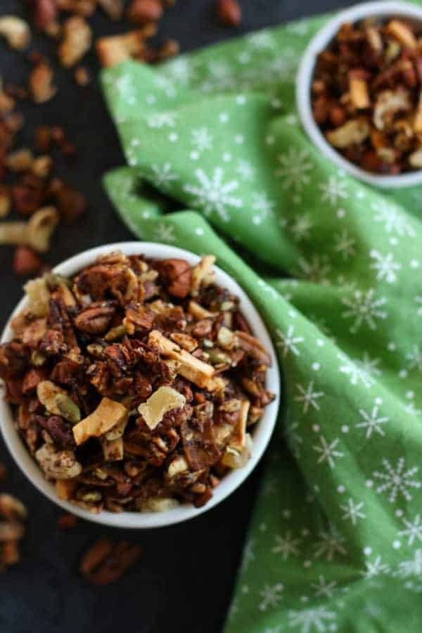 Grain-free Gingerbread Granola | paleo granola recipes | gluten-free granola recipe | dairy-free granola recipe | vegan granola recipe | healthy holiday snacks | healthy granola recipes | healthy gingerbread recipes || The Real Food Dietitians #granolarecipe #paleosnack #healthyholidayrecipes