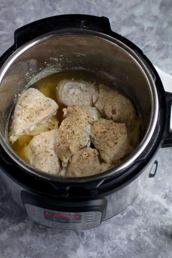Instant Pot Shredded Chicken | easy chicken recipes | instant pot recipes | instant pot meal prep | instant pot chicken recipes | pressure cooker shredded chicken | easy shredded chicken recipe || The Real Food Dietitians #instantpot #shreddedchicken #instantpotchicken
