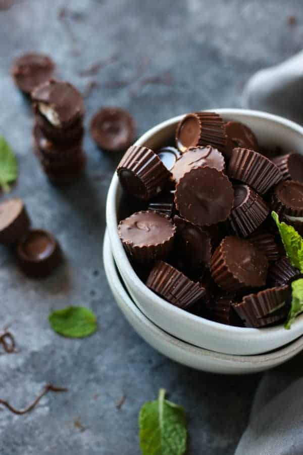 3-Ingredient Dark Chocolate Mint Cups in a white bowl