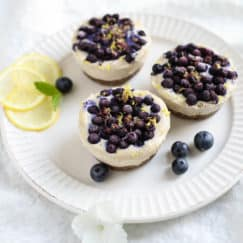 Vegan No-Bake Lemon Berry Mini Cheesecakes