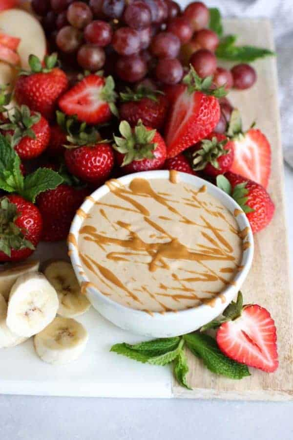 Easy Peanut Butter Yogurt Fruit Dip