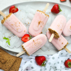 Strawberry Cheesecake Smoothie Pops Ready to Serve